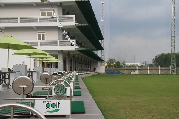 Quảng cáo trên sân tập Golf Happy tại Hồ Chí Minh